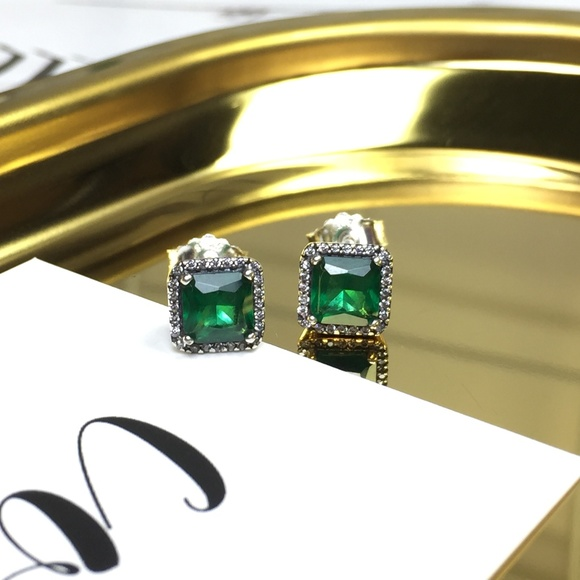 discover latest trends good texture enjoy bottom price Pandora Timeless Elegance Green Crystal Earrings Boutique